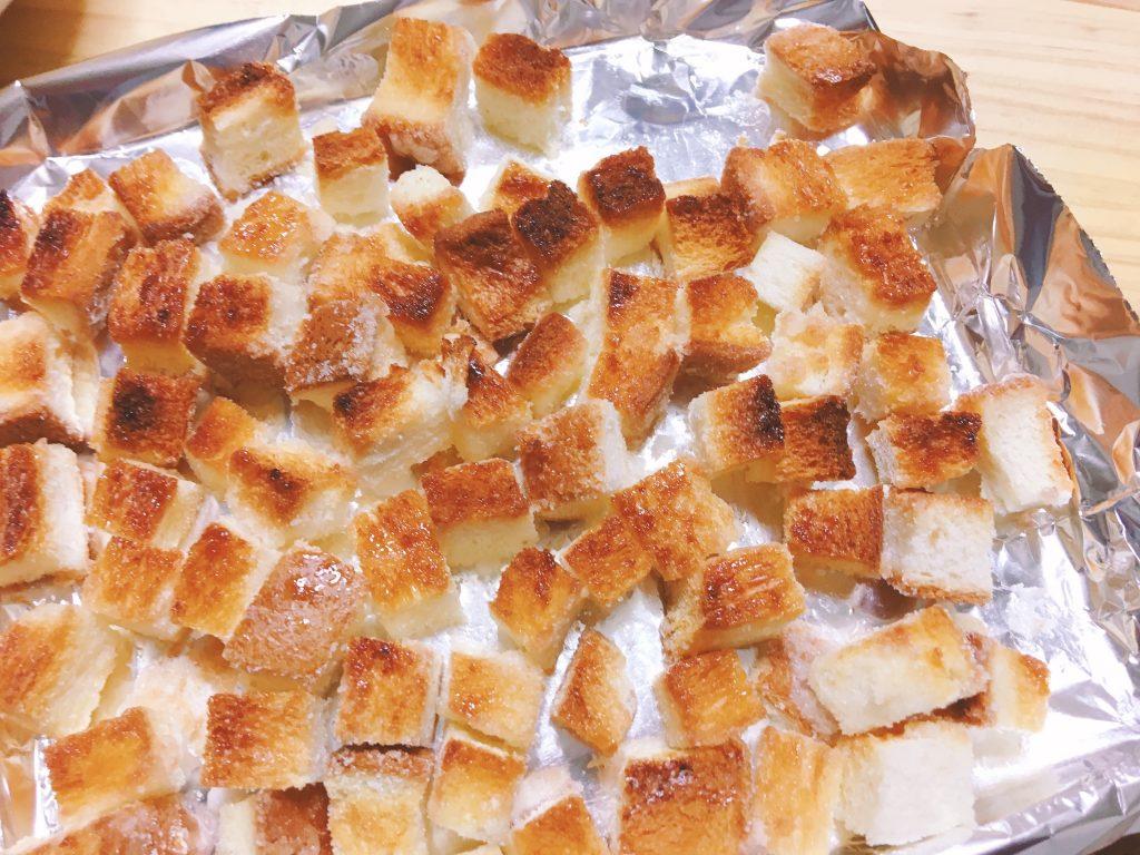 焼けた 食パン